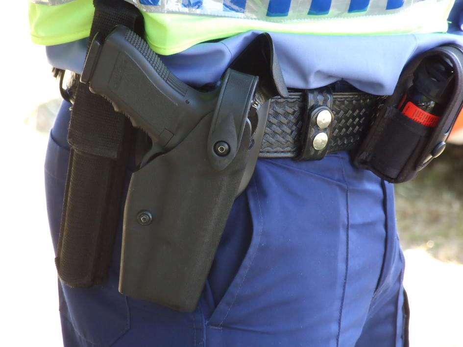 Policajti podržali svojho nebezpečného kolegu
