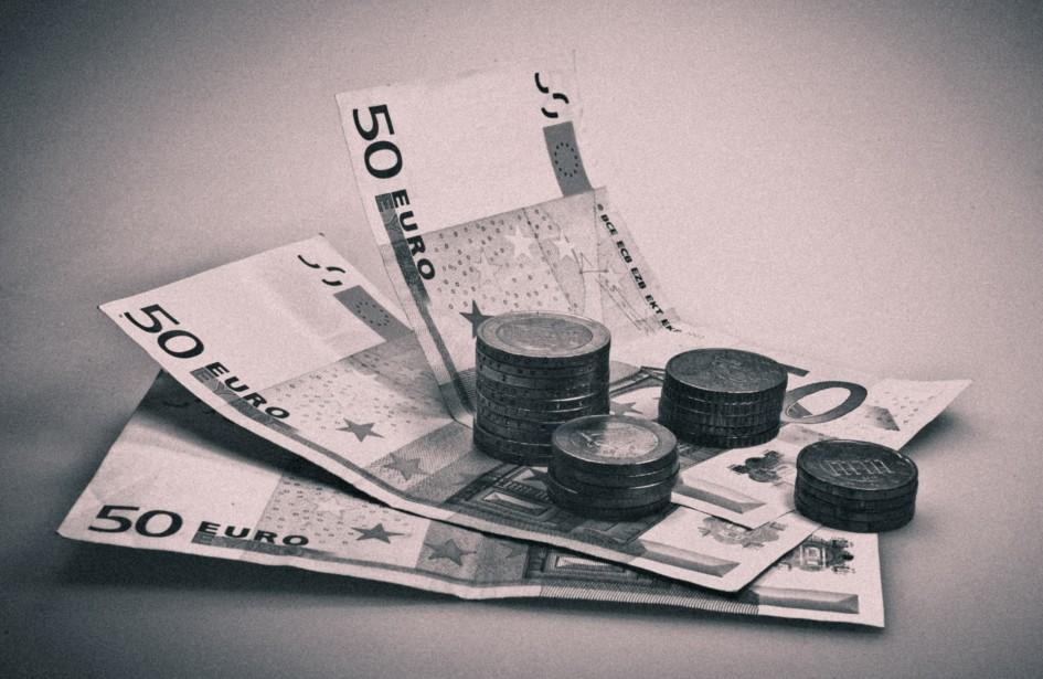 Podvodníci pripravili dôchodkyňu o úspory. Cez poistku.