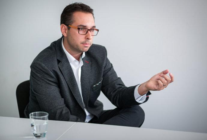 Rozhovor: Kto chce poistku so sporením predať tak, aby klienta oklamal, tak ju tak predá