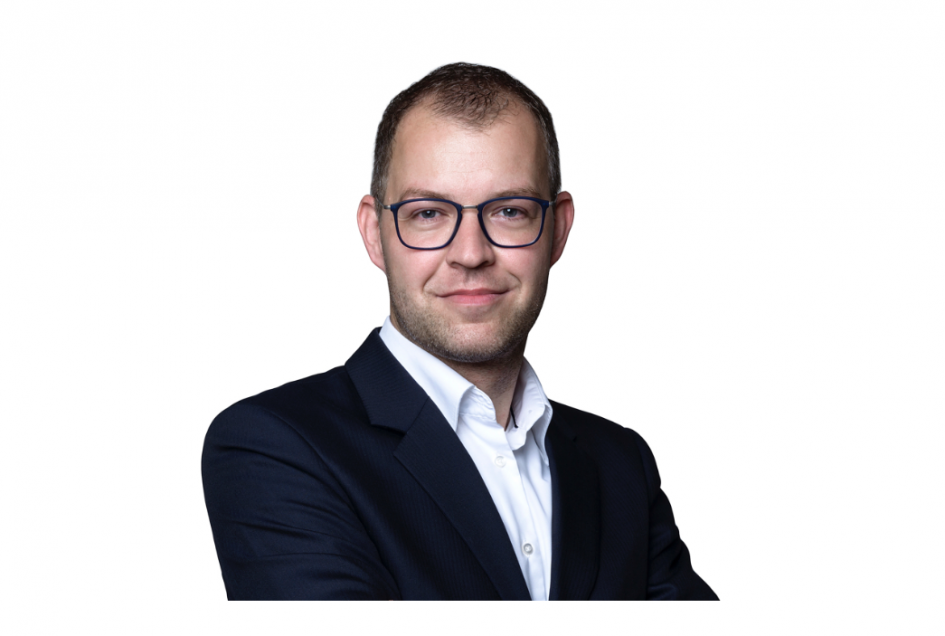 Ján Bučan robí kauzu zo zníženia svojho platu